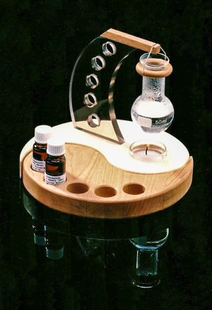 A milestone for the creativ thinker: the ying-yang aroma lamp.
